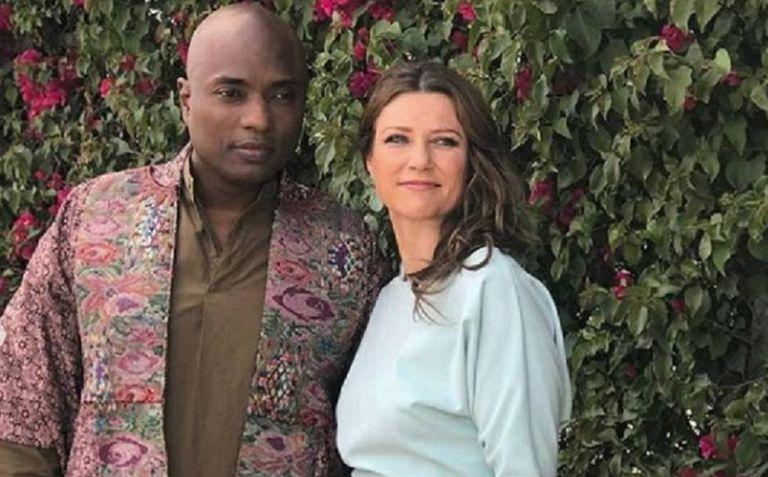 O xamã Shaman Durek e a princesa Marta Luisa da Noruega.