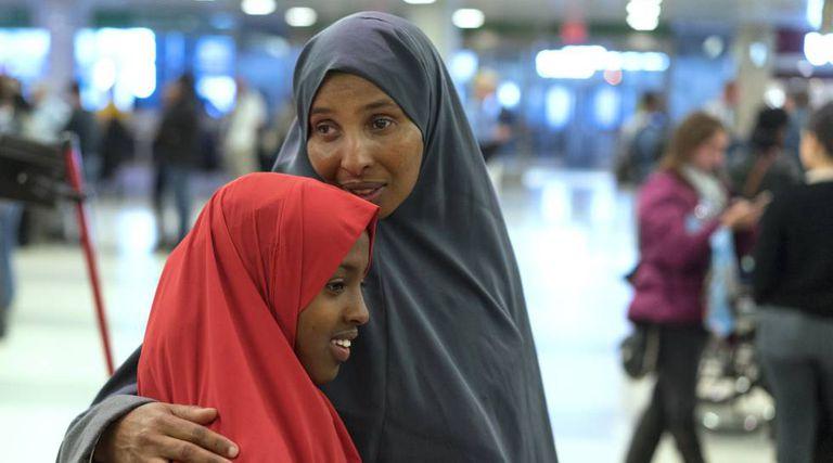 Duas somalis no aeroporto de Nova York, na semana passada.