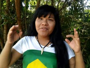Ysani Kalapalo tem mais de 275.000 inscritos em seu canal.