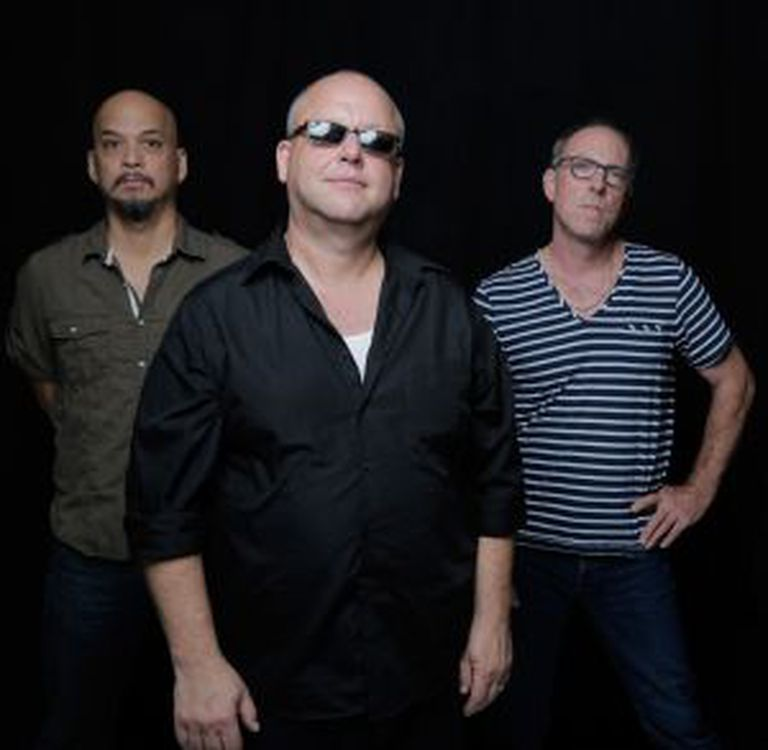 Os membros de The Pixies.