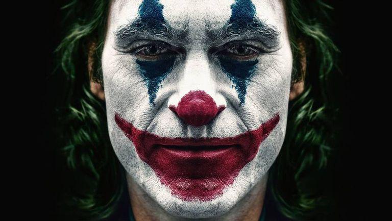 Joaquin Phoenix, o retrato hiperbólico do homem irritado.
