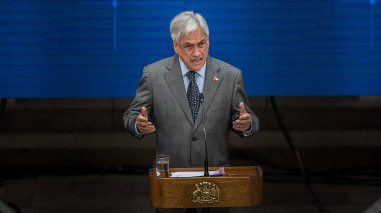 Sebastián Piñera discursa em Santiago nesta quarta-feira, 7