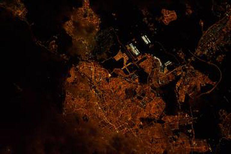 Vista de Madri à noite, a partir do espaço