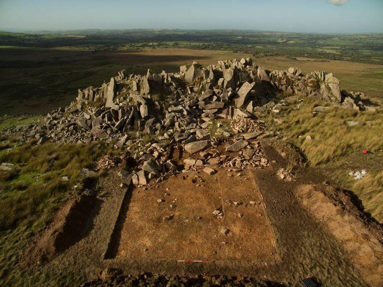 As montanhas de Preseli (Gales), origem de algumas pedras de Stonehenge.