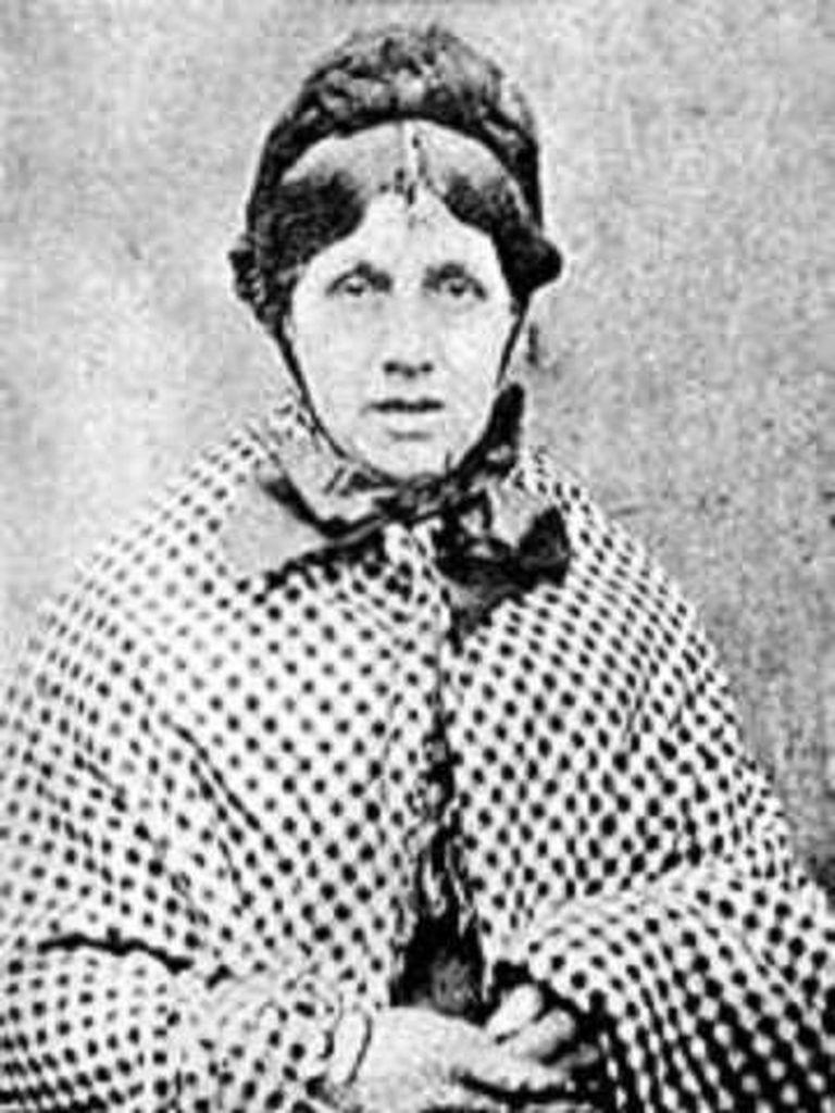 Mary-Ann Cotton, enfermeira britânica, envenenou mortalmente 21 pessoas e morreu na forca em 1873. É considerada a primeira 'serial-killer' da Grã-Bretanha.