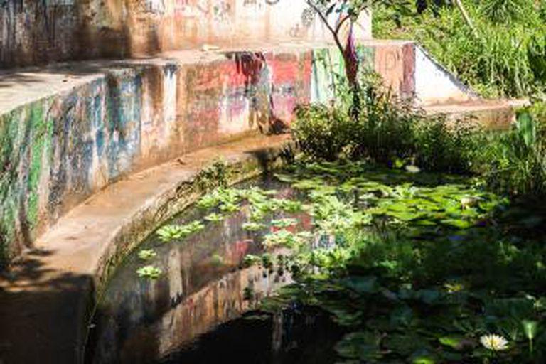 Lagoa artificial na Praça da Nascente