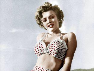 No início da carreira, Marilyn Monroe adotou a estética 'pin-up' de uma forma que poucas souberam fazer. Na imagem, a atriz em 1954.