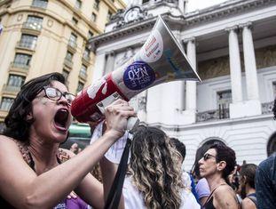 Manifestante no ato #EleNão no Rio.