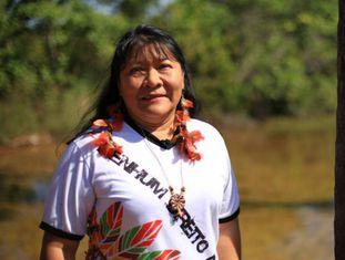 Joênia Wapixana, primeira mulher indígena eleita deputada federal no Brasil