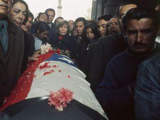 Funeral de Pablo Neruda em 1973.