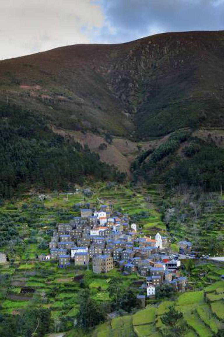 A aldeia de xisto de Piódão, na Serra da Estrela (Portugal).