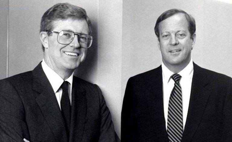 Os irmãos Charles (esquerda) e David Koch, em 1970.