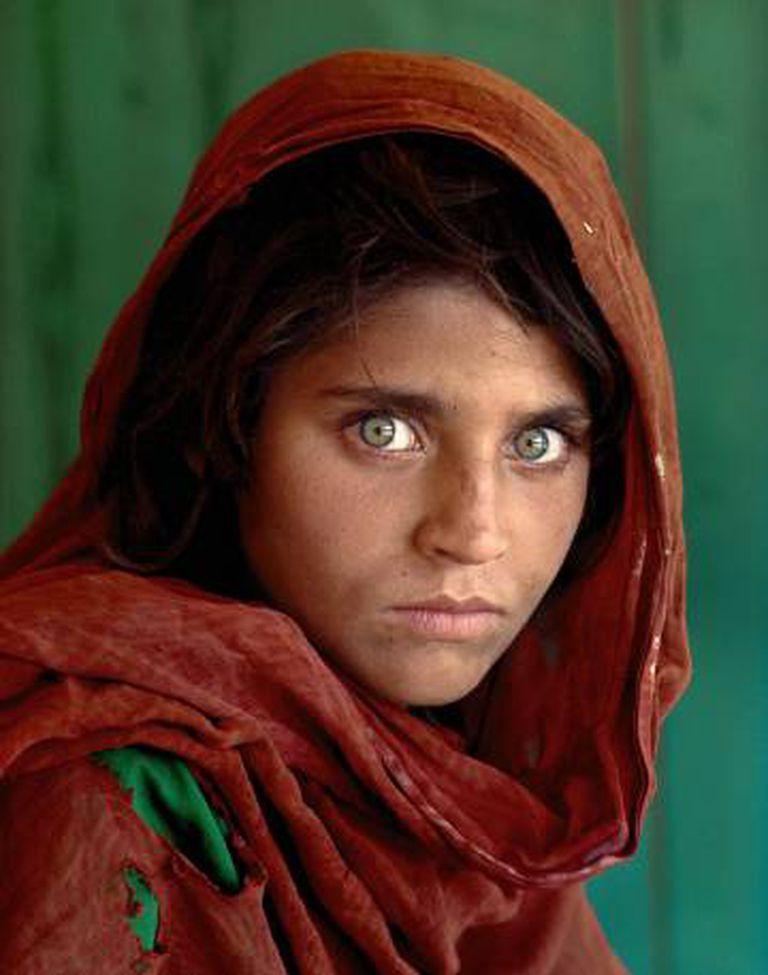 'Menina afegã', capa da 'National Geographic' em junho de 1985.