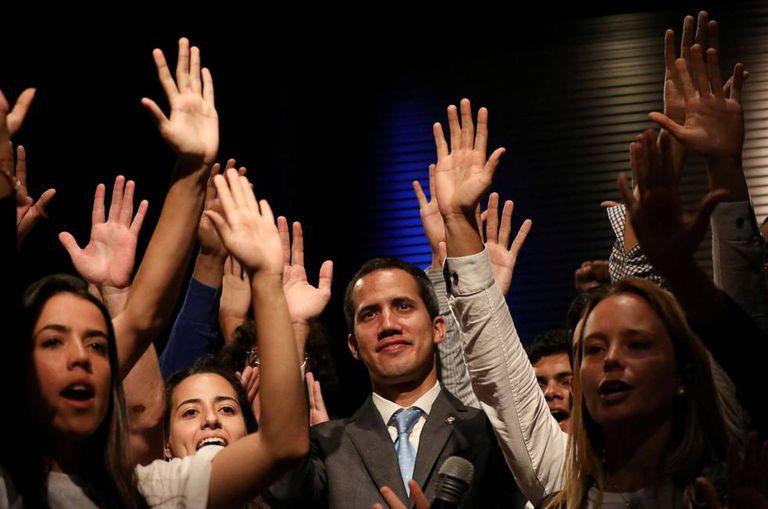 Guaidó, em um ato com estudantes nesta segunda-feira.