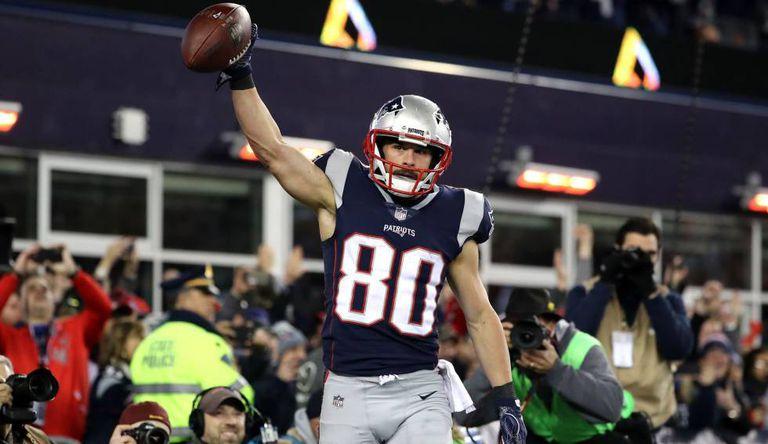 Amendola celebra um touchdown.