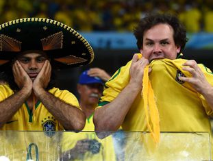 As cicatrizes da última Copa no Brasil continuam abertas.