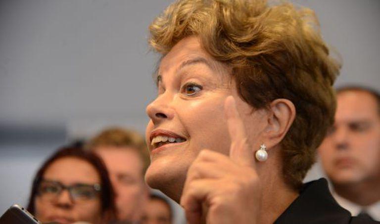 Presidenta Dilma fala sobre o escândalo da Petrobras, nesta sexta-feira.