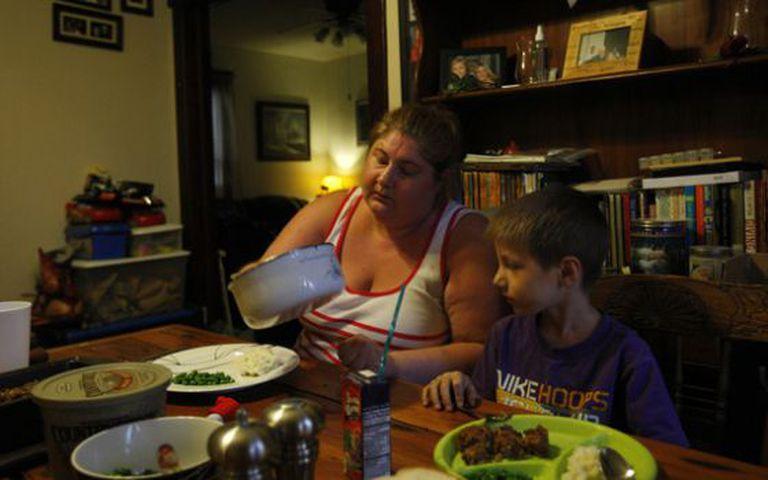 Um terço das famílias lideradas por mães solteiras vive abaixo da linha da pobreza.