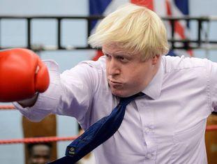 Boris Johnson, como alcalde de Londres, en una academia de boxeo, en 2008.