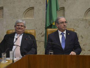 Rodrigo Janot ao lado de Eduardo Cunha, durante sessão no Supremo Tribunal Federal nesta segunda-feira, dia 1º.