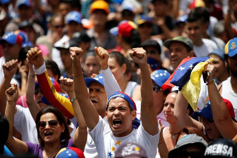 Manifestantes da oposição em um protesto em Caracas.