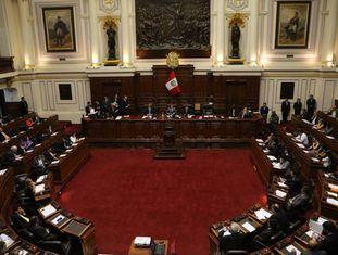 A sessão em que foi iniciado do trâmite do impeachment no Congresso peruano.