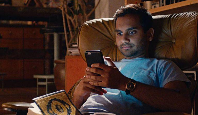 Azaz Ansari na segunda temporada de 'Master of None'.