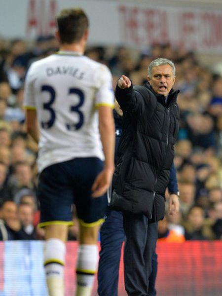 Mourinho, na derrota do Chelsea contra o Tottenham.