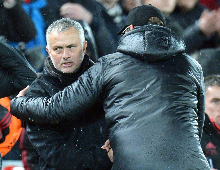 José Mourinho, durante o jogo entre Manchester United e Liverpol, neste domingo em Anfield.
