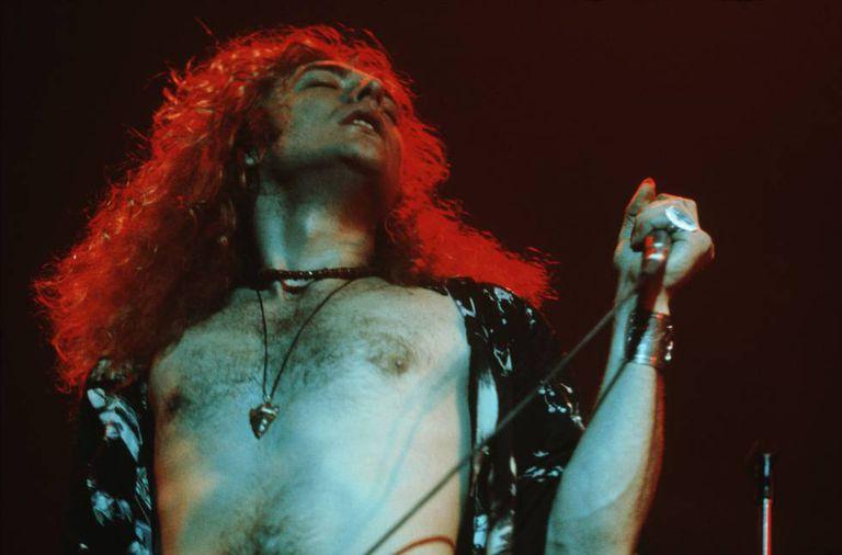 Robert Plant, cantor do Led Zeppelin, em 1971. Há quem garanta que se você escutar 'Stairway to Heaven' de trás para frente pode ouvir uma mensagem satânica.