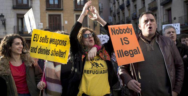 Protesto realizado em Madri no fim de fevereiro a favor de refugiados e migrantes