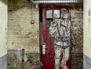 Obra da grafitera nova-iorquina Swoon, no MIMA.