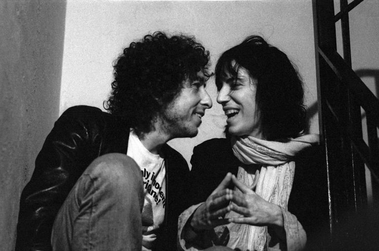 Dylan e Patti Smith, em 1975.