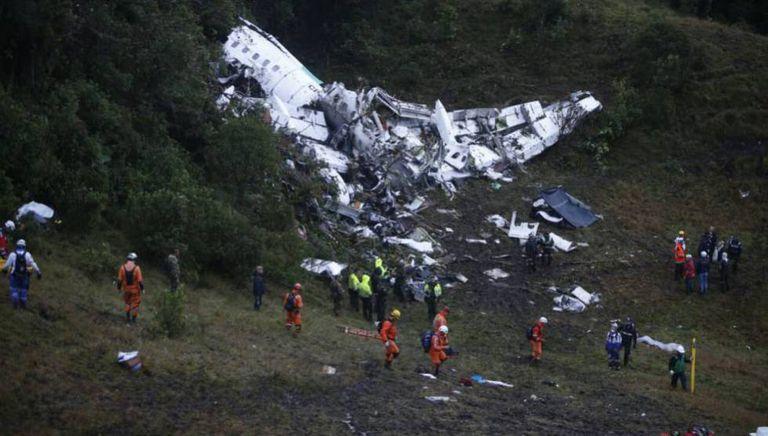 Destroços do avião que caiu na Colômbia.