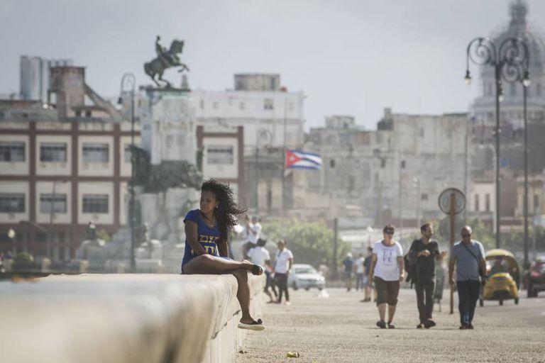 As ruas de Havana, dois dias após a morte do líder.
