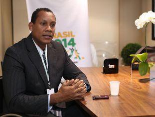 O árbitro Márcio Chagas, durante a entrevista.