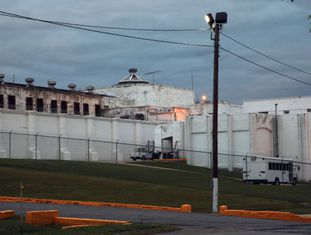 Penitenciária de McAlester, Oklahoma, onde Clayton Lockett morreu 43 minutos após começar sua execução.