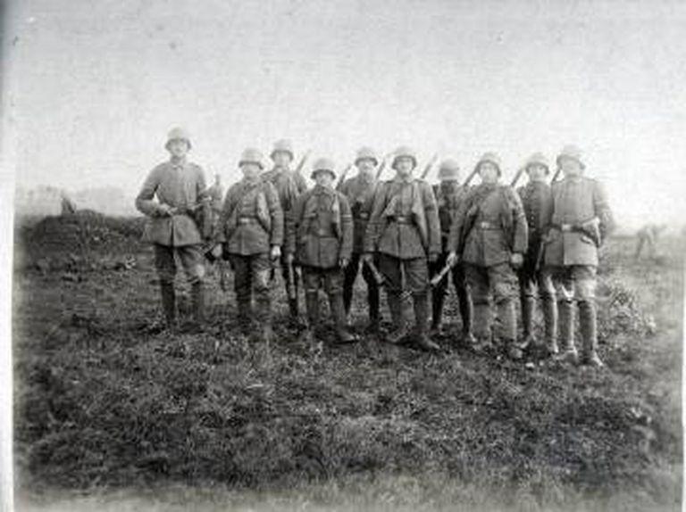 Tropas alemãs preparadas para o combate em 1916.