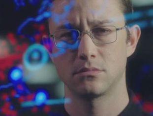 Oliver Stone criou uma boa abordagem de Snowden, e seu melhor trabalho em anos, apesar do aparente convencionalismo