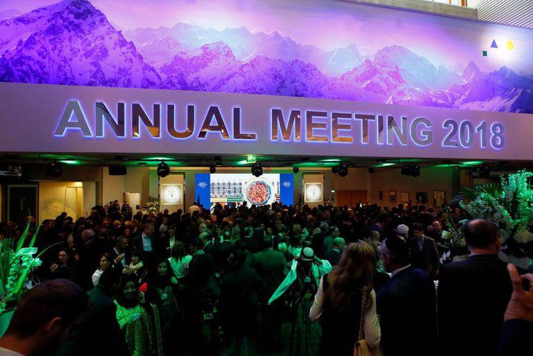 Público na entrada do discurso de Donald Trump no Fórum Econômico Mundial de Davos (Suíça).
