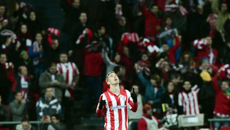 Muniain celebra seu gol.