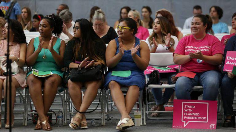 Participantes de um evento sobre saúde reprodutiva