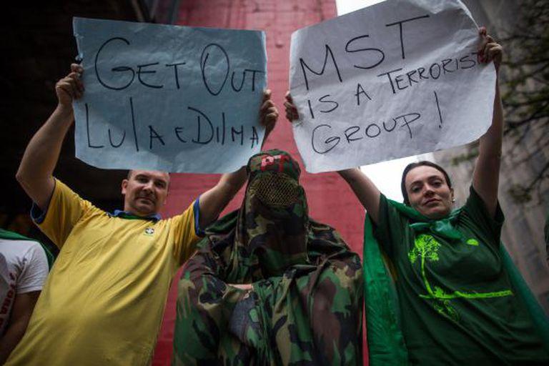 Manifestantes neste domingo na Paulista.