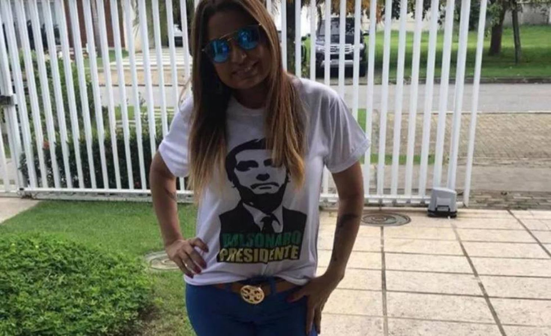 Carmen Carvalho, da equipe do MP do Rio que investiga o caso Marielle, com camisa da campanha de Bolsonaro.