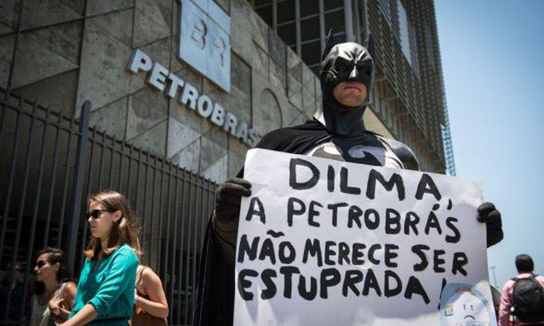Protesto em frente a Petrobras no dia 17, no Rio.
