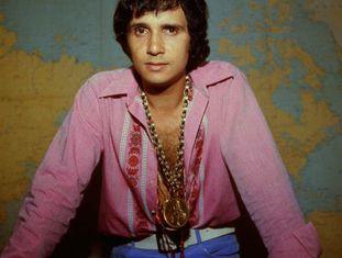O cantor Roberto Carlos na década de 1960, época da Jovem Guarda.