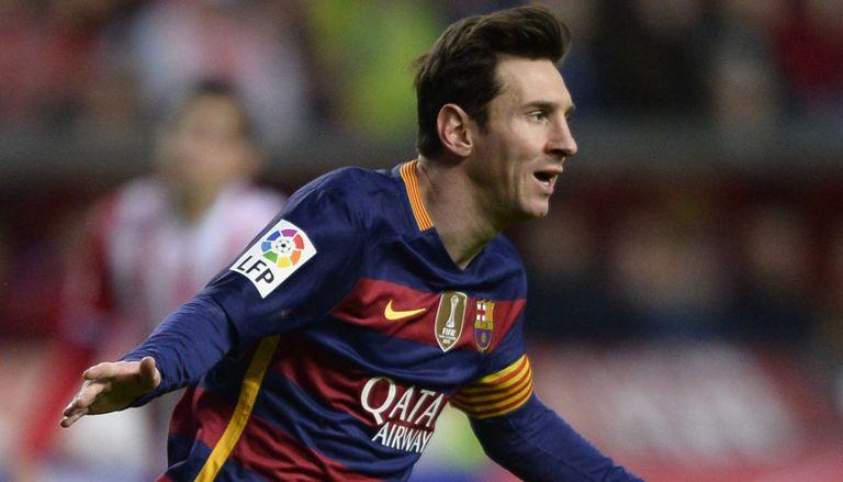 Messi marcou dois contra o Sporting.