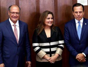 Alckmin, a diretora do Fórum Econômico Mundial para a América Latina, Marissol Argueta de Barillas, e Joao Doria.