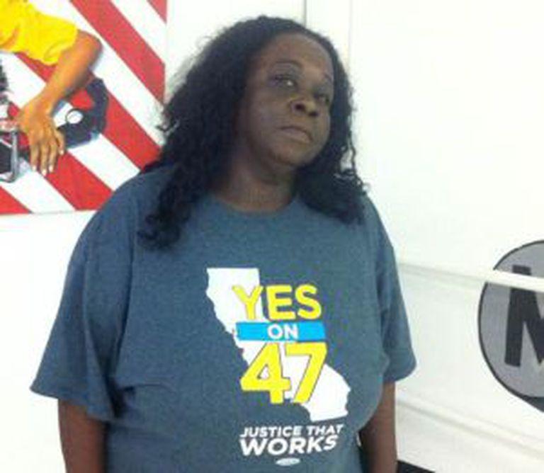 Charsleen Poe, em um centro social de Watts, Los Angeles.