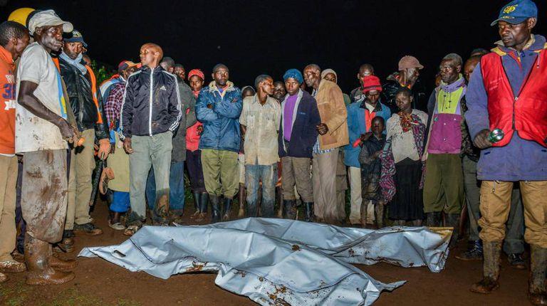 Corpos resgatados em Solai na madrugada desta quinta-feira